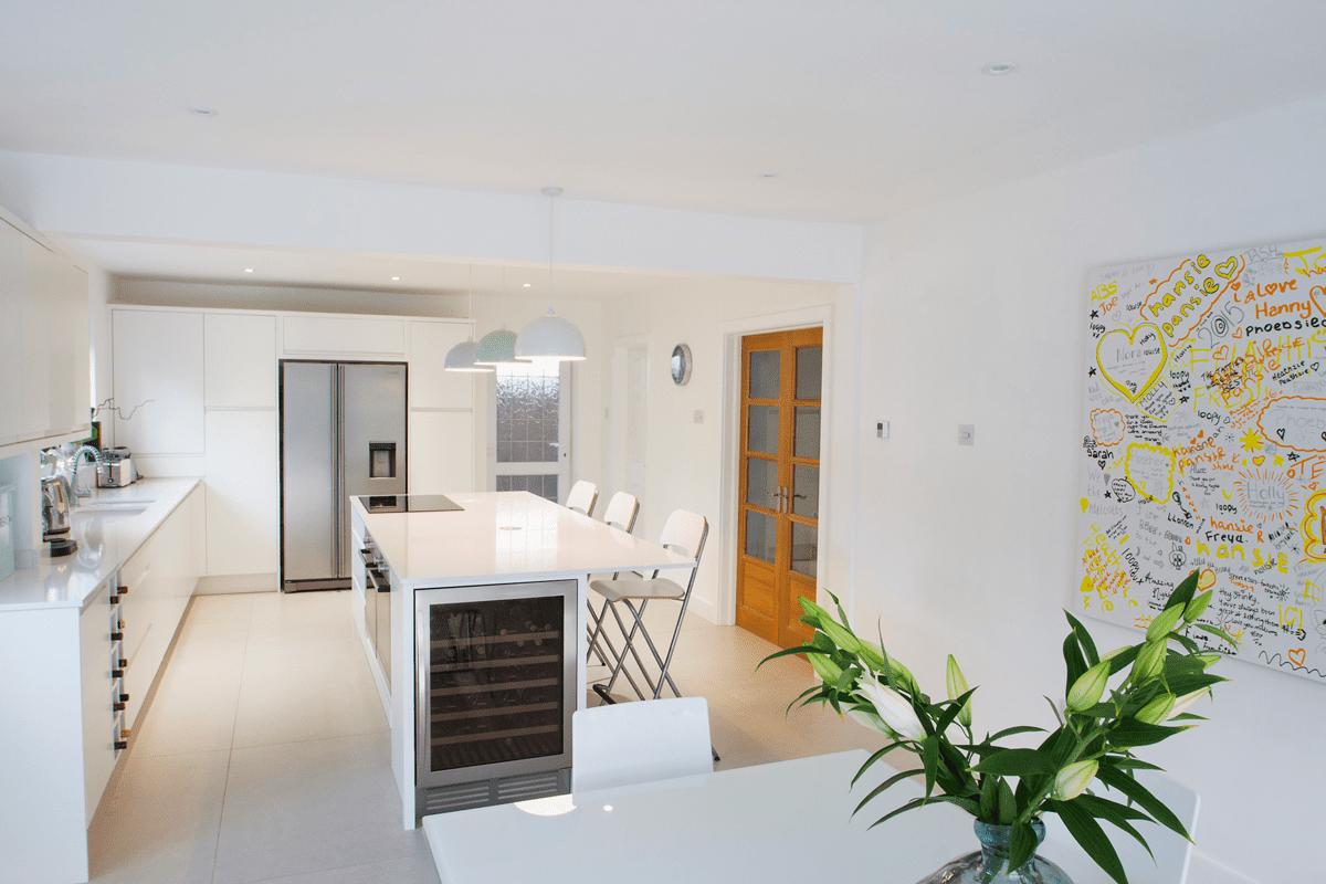 Family-kitchen-sleek-minimal-design - Herbert William Kitchens