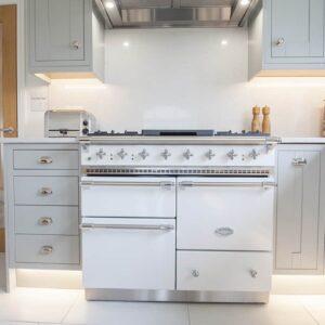 Light Grey Shaker Kitchen Design in Carter's Clay with custom built free range oven