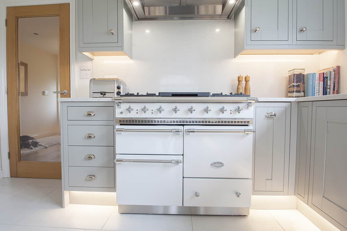 Light grey shaker kitchen design by herbert william kitchen hampshire Kitchen design light grey