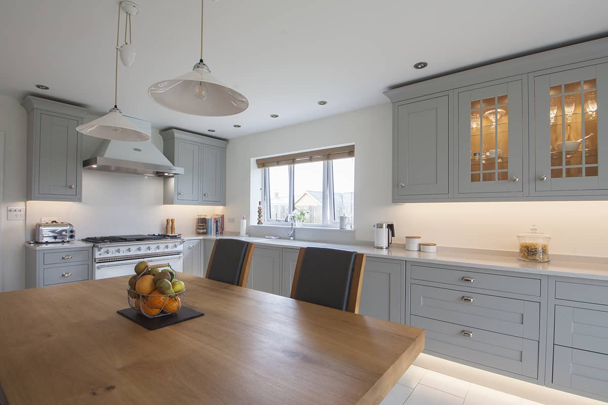 Light Grey Shaker Kitchen Design in Carter's Clay