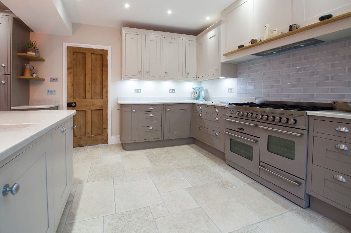 Range Cooker In Kitchen Design Lymington