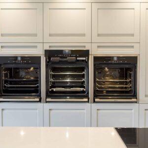 Smart Grey Kitchen design for Cook